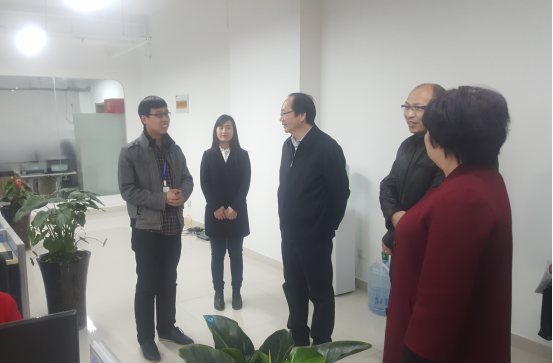 郑州市科技局局长文广轩莅临简信CRM