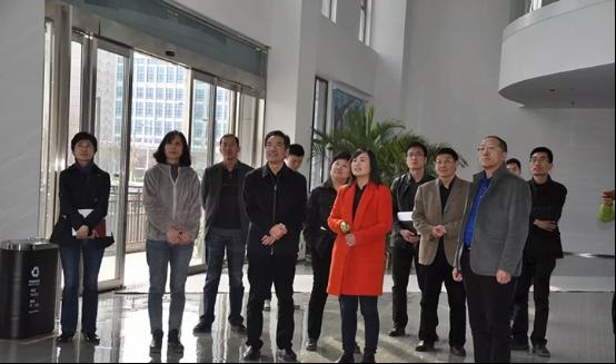 郑州经开区党工委书记崔绍营莅临简信CRM